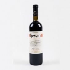 IJEVAN - Polosuché červené víno 0.75l